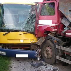 Pri Hlohovci sa stala vážna dopravná nehoda