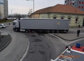 Polícia hľadá svedkov dopravnej nehody