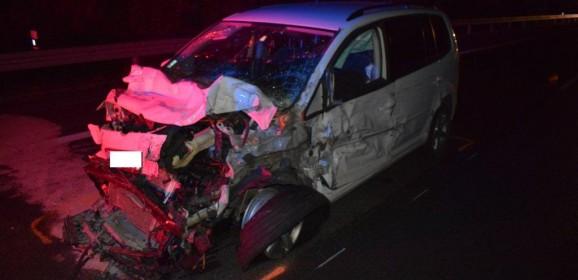 Polícia hľadá svedkov hromadnej dopravnej nehody na diaľnici
