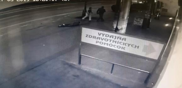 Ošesť hodín mali policajti vrukách podozrivého