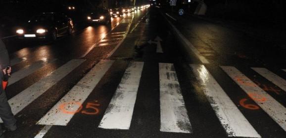Chodkyňa zomrela na priechode, polícia hľadá svedkov