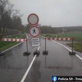Uzatvorená cesta vokrese Hlohovec