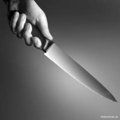 Opilec ohrozoval nožom personál aj zákazníkov