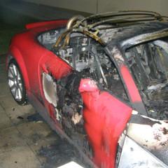 V Hlohovci opäť horelo auto. Plamene zachvátili Audi!